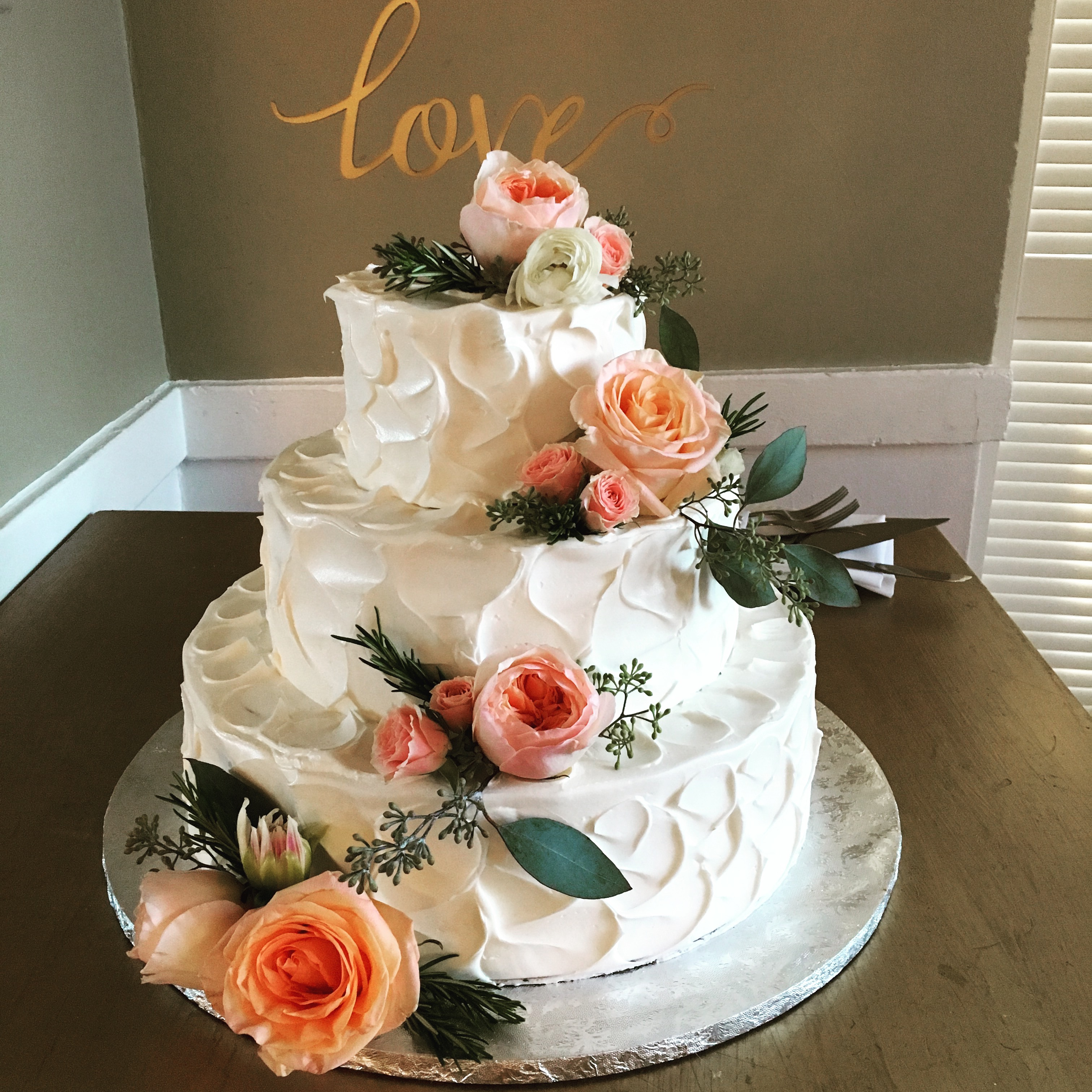 Wedding Cake plain and simple DJ Domeic