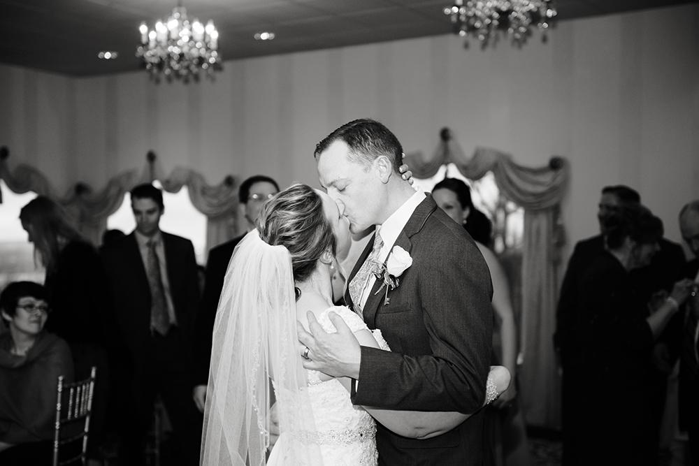 Dutchess Manor wedding First Dance